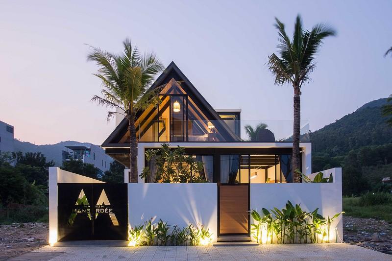 Độc lạ ngôi nhà thép áp mái ở Sơn Trà - ảnh 2